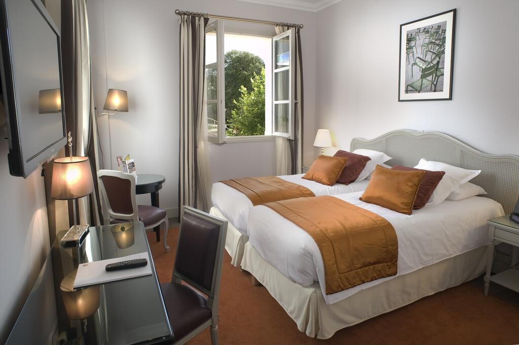 twin-room-hotel-circuit
