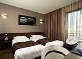 grand-prix-hotel-twin-room-527