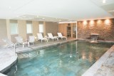 swimming-pool-hotel-24-hours-of-le-mans