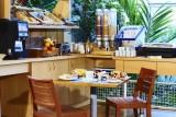 salle-petit-déjeuner-hôtel-le-mans