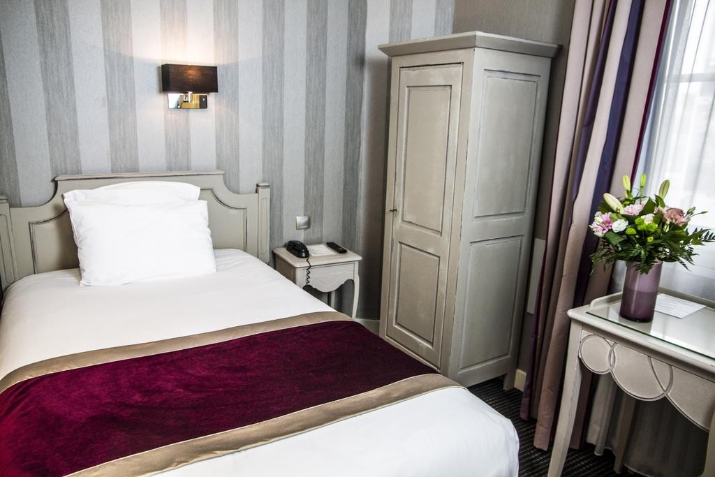 chambre-simple-hotel-le-mans