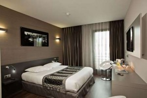 grand-prix-hotel-double-room-523