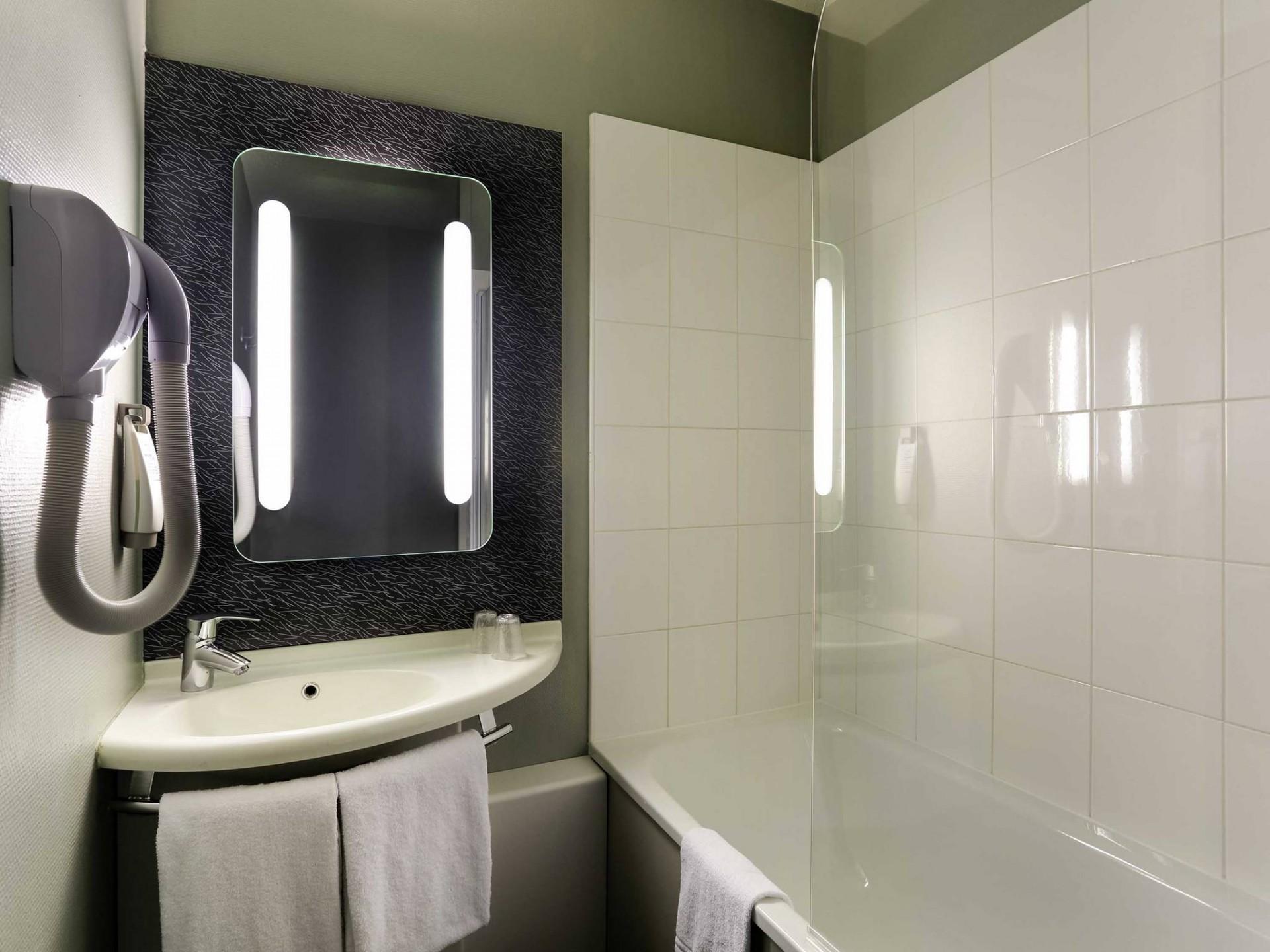 bathroom-hotel-le-mans