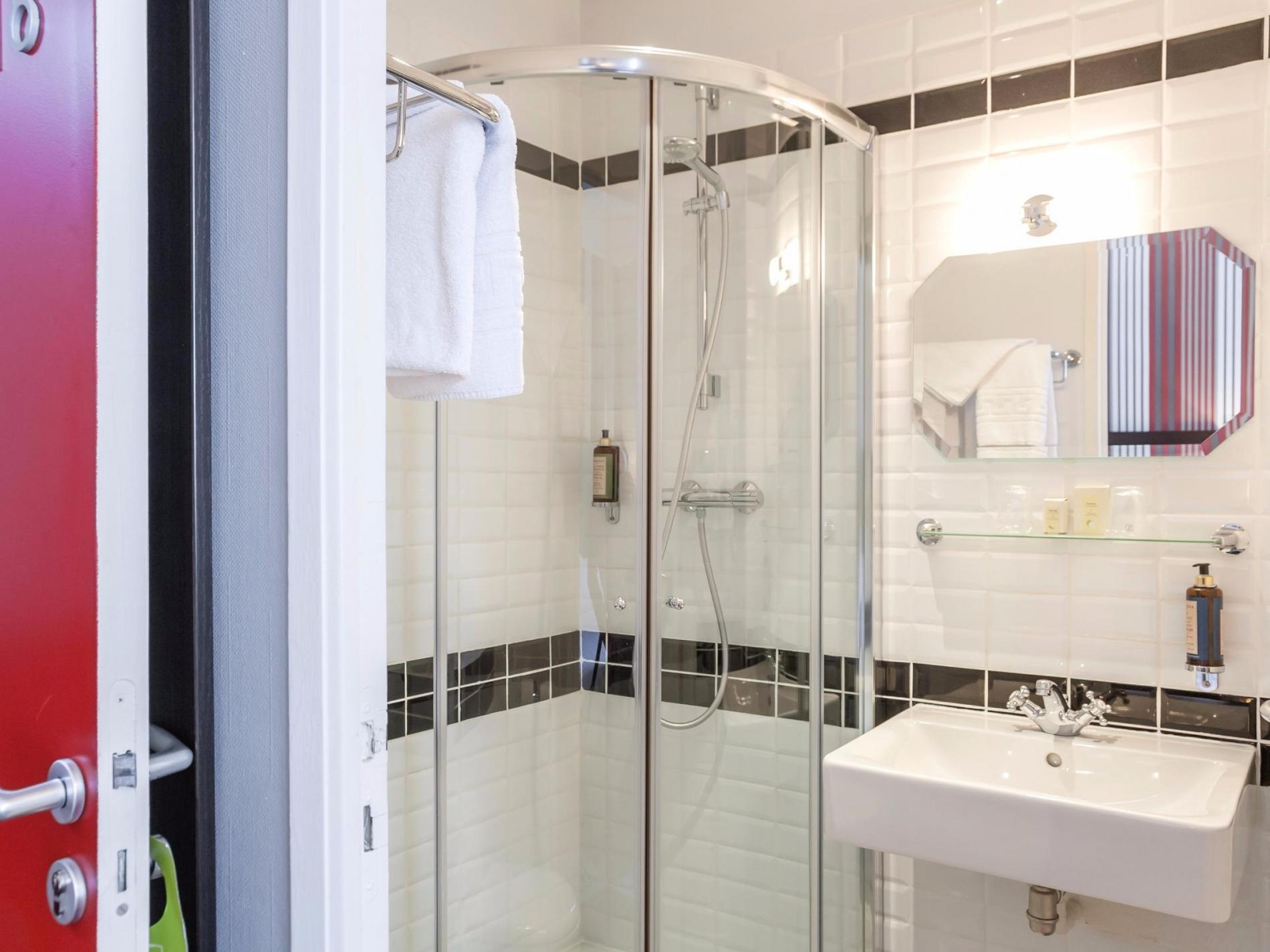 salle-de-douche-hotel-le-mans