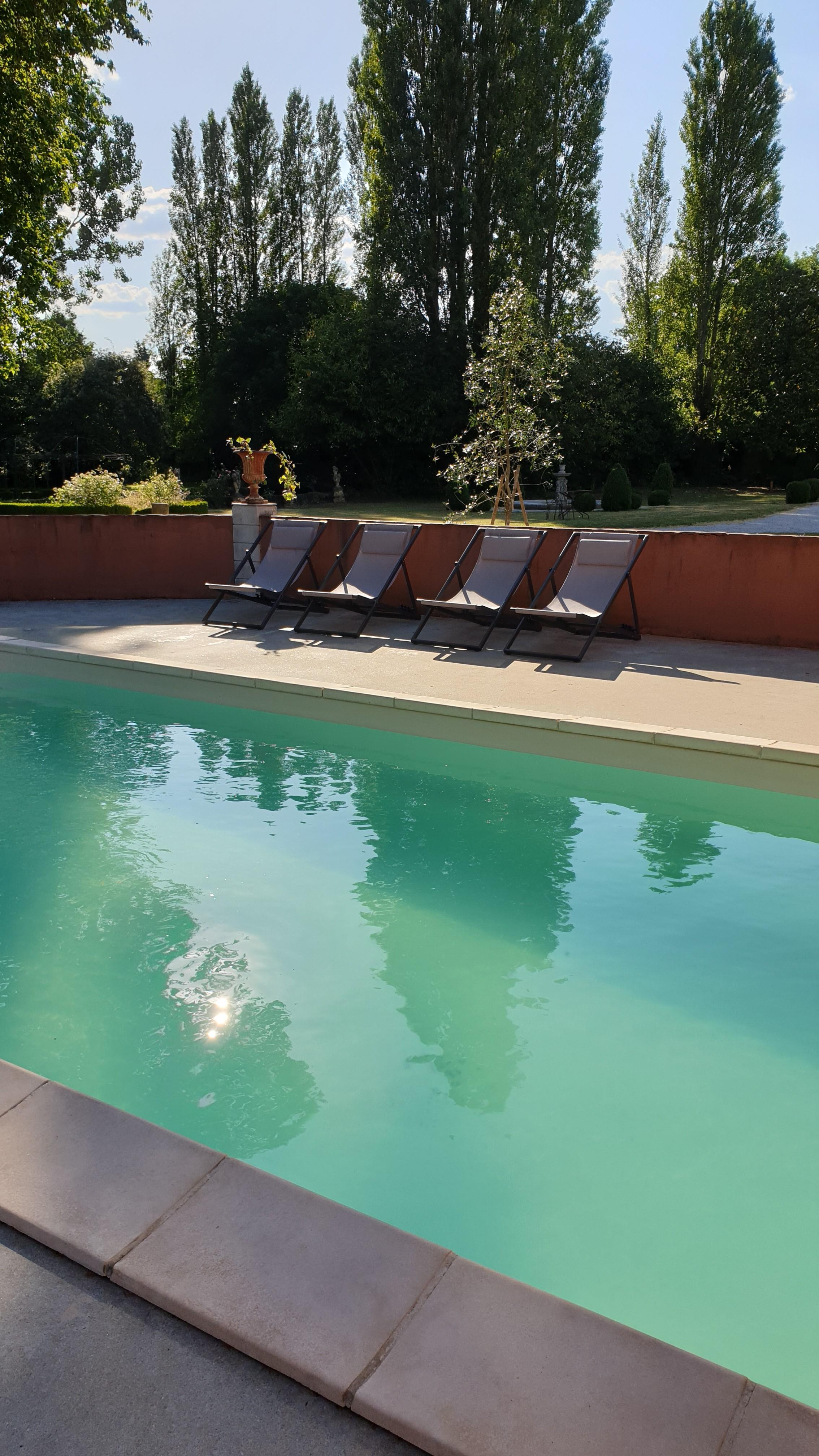 ch-908-e-pool-2-3932