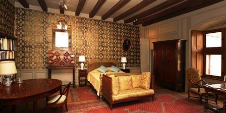 gold-room-in castle-1379-E