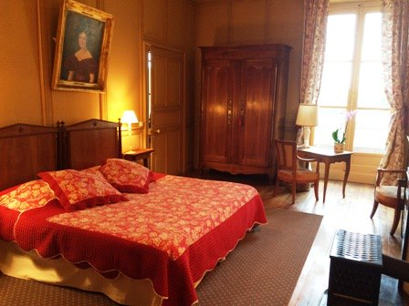 pink-room-in castle-1379-E