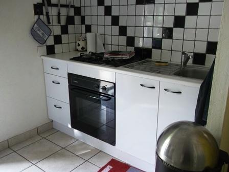 kitchen_guestshouse_24h_lemans_b&b