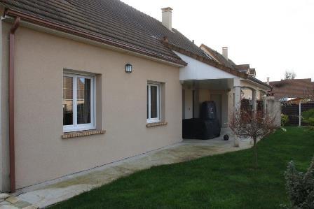 outside_guestshouse_24h_lemans_b&b