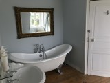 bathroom_guestshouse_24h_lemans_castel