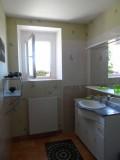 bathroom_le_mans_24h_race_cottage
