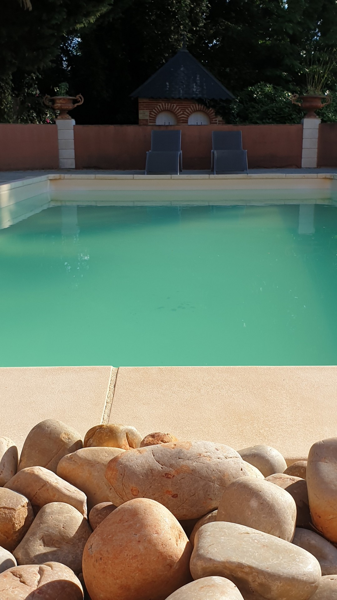 ch-908-e-pool1-3931