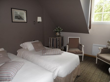 single_beds_guestshouse_24h_meùans_castel