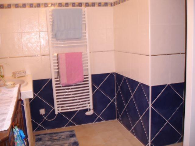 lm-bb-775-c-salle-de-bain-a-partager-3734