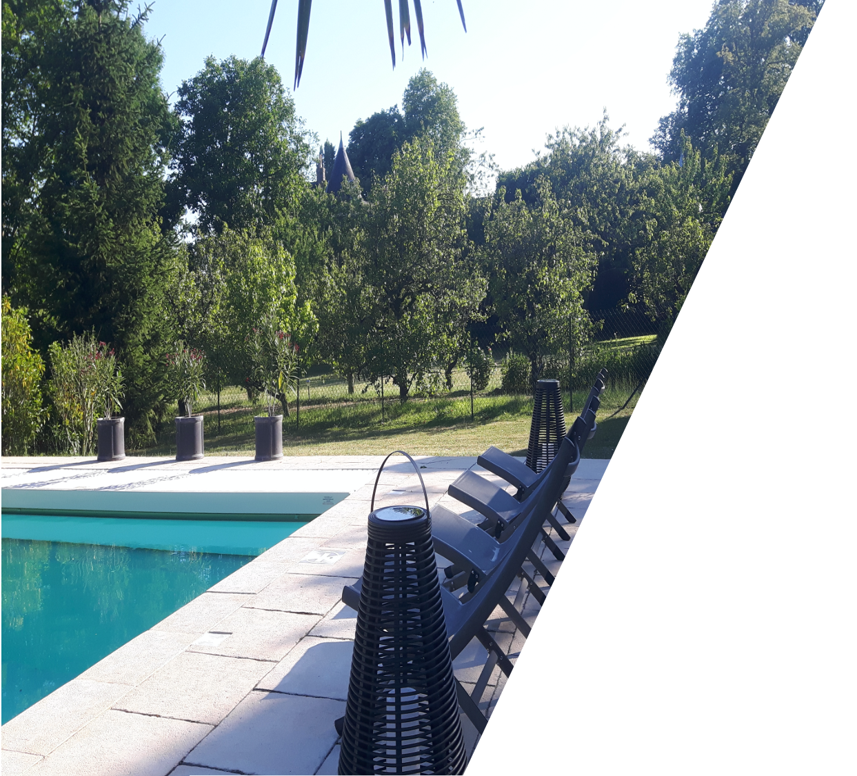 swimmingpool_guestshouse_24h_lemans_castel