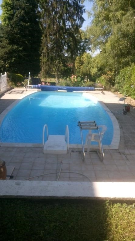 swimming_pool_lemans_24h_race_2020_b&b