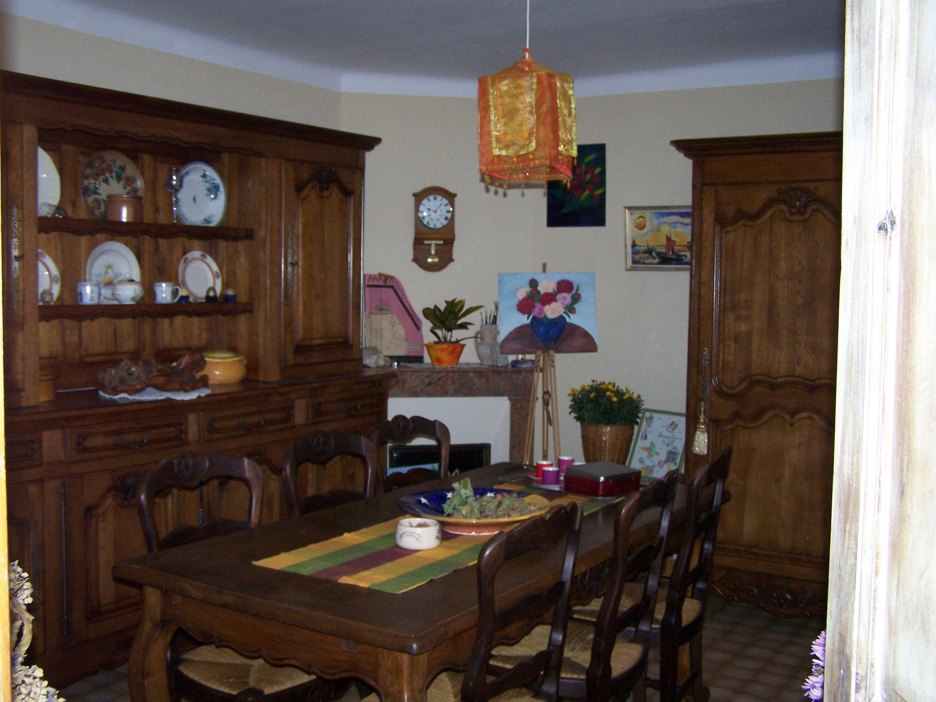 dinning_room_guestshouse_24h_lemans_b&b