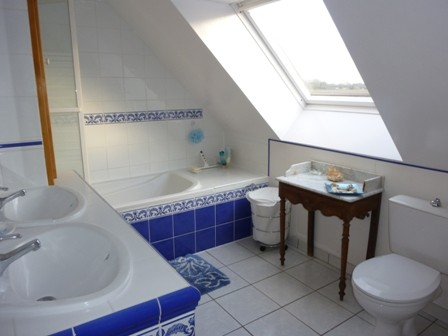 Bath_room_24h_lemans_race_b&b