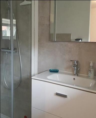 bathroom_guestshouse_24h_lemans_auberge