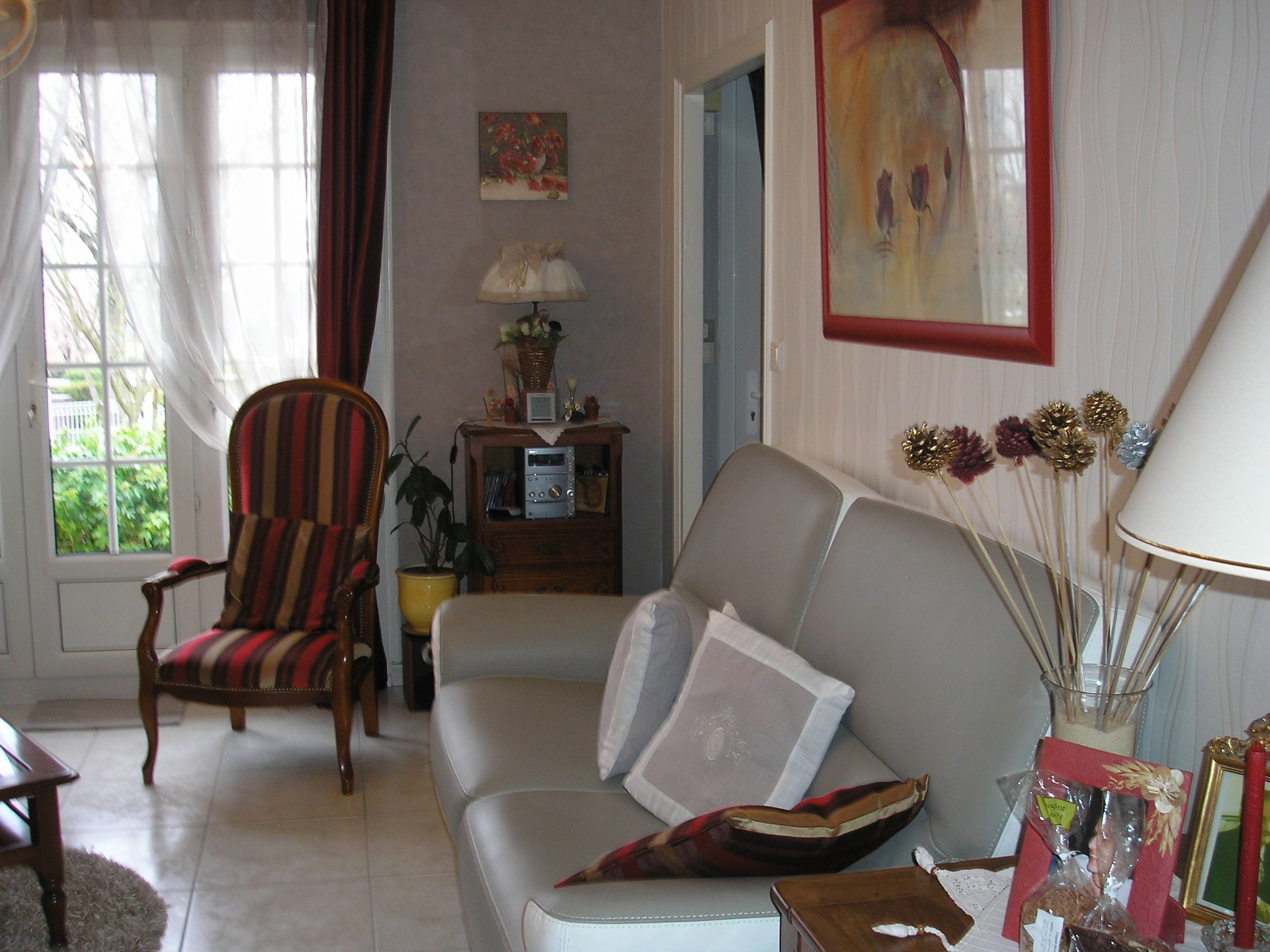 living_room_24h_le_mans_b&b_guest_house_race