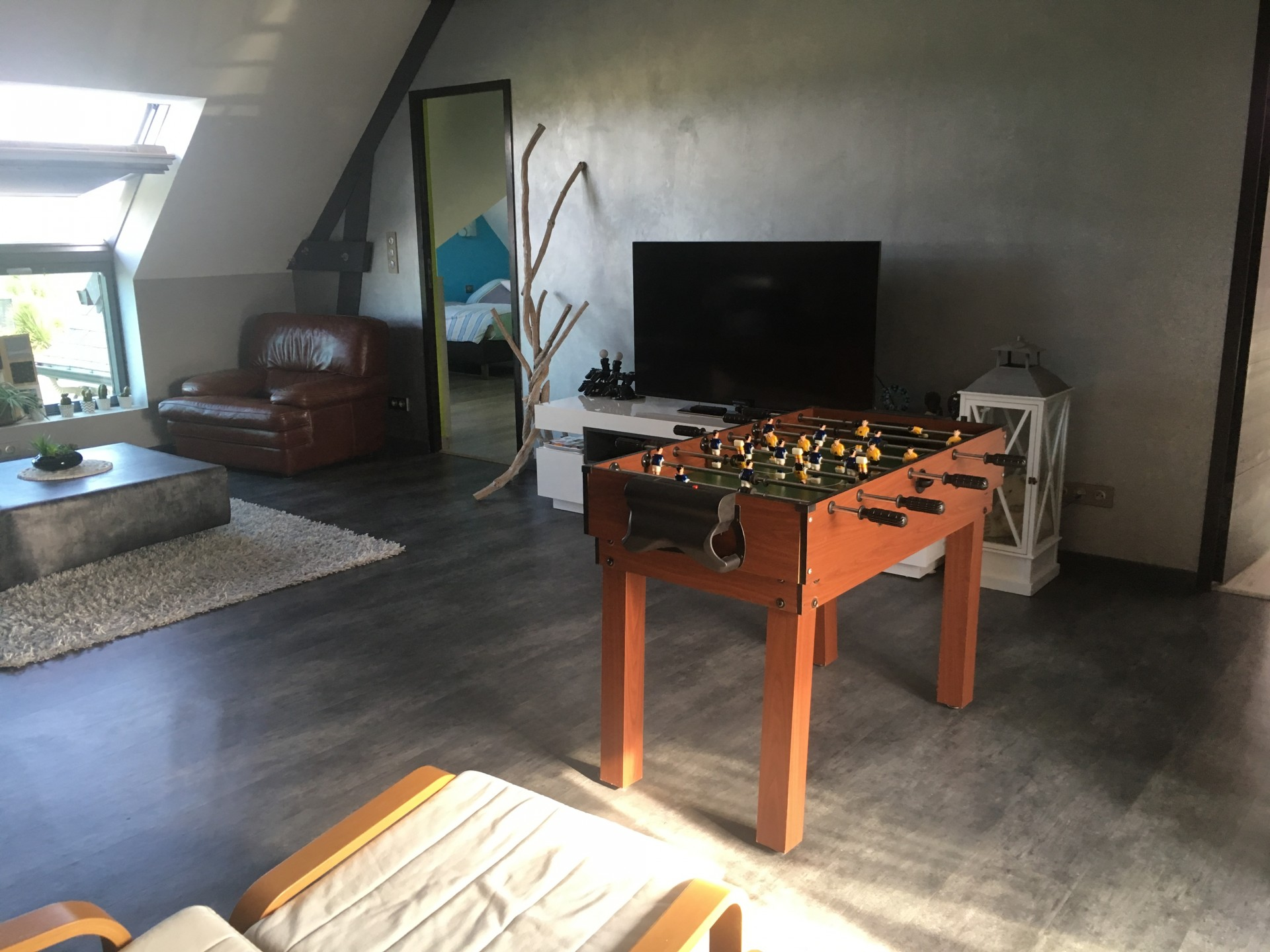 living_room_le_mans_cottage_24h_race