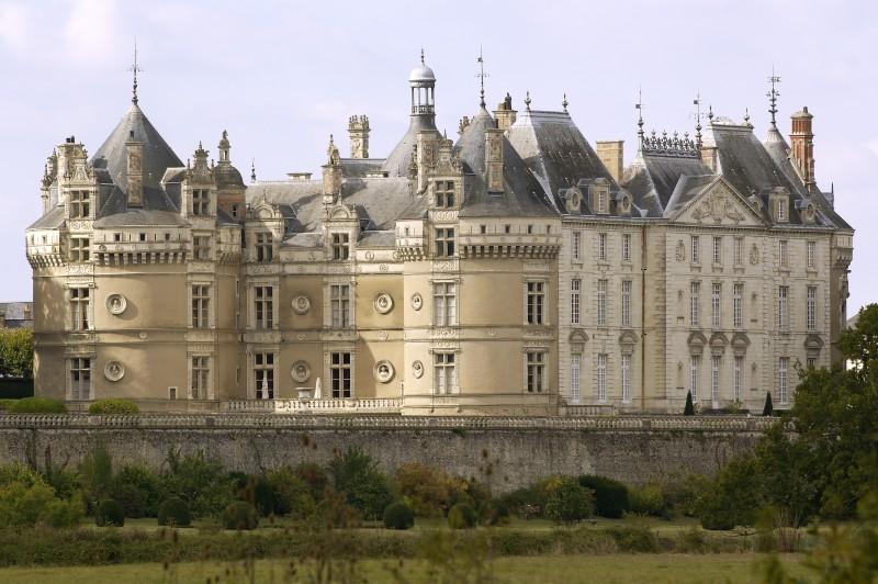 Outdoor_le_mans_24h_race_castle