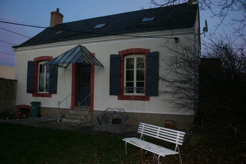 front_guestshouse_24h_lemans_b&b