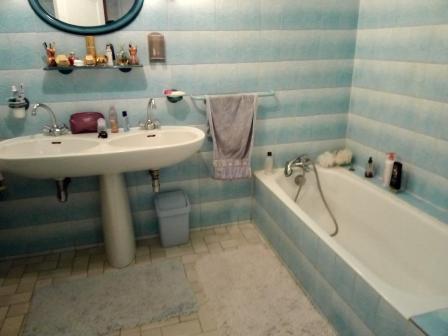 bathroom_lemans_race_24h_du_mans_b&b