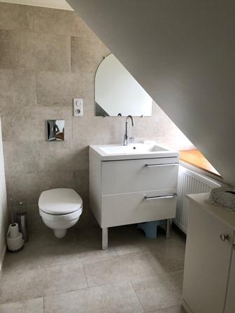 bathroom_le_mans_24h_castle_race_2020