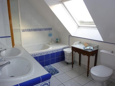 Bath_room_24h_lemans_race_b&b