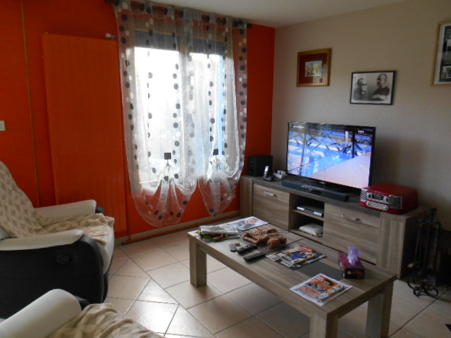 Living_room_lemans_b&b_race