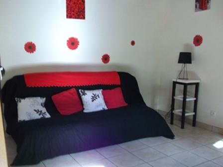 Sofabed_guestshouse_24h_lemans_b&b