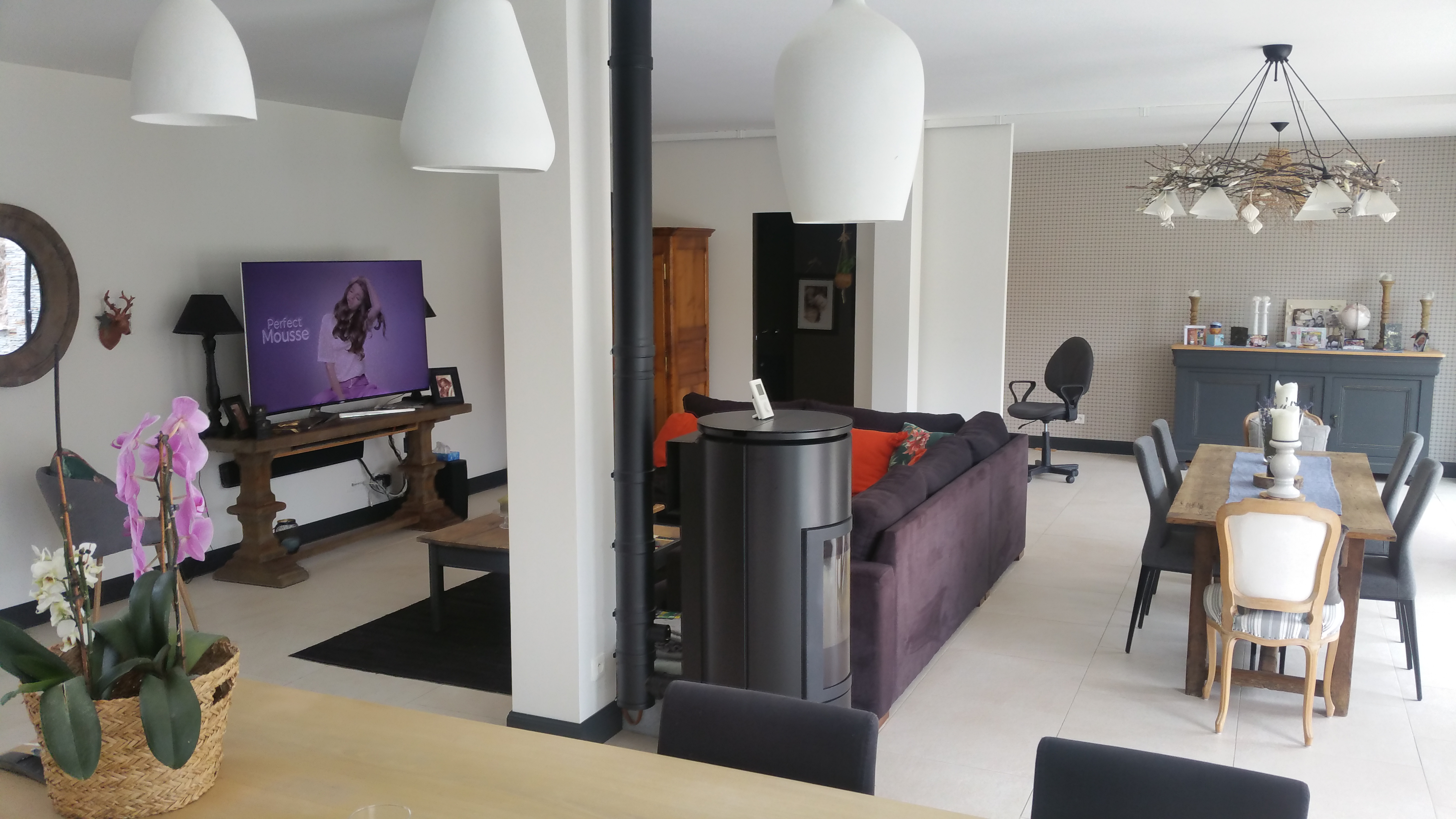 spacious_living_room_le_mans